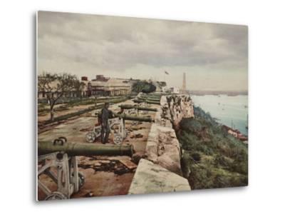 El Parapeto De La Cabana, Havana-William Henry Jackson-Metal Print