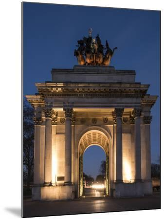 Exterior of Wellington Arch at Night, Hyde Park Corner, London, England, United Kingdom, Europe-Ben Pipe-Mounted Photographic Print