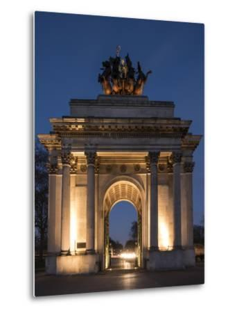 Exterior of Wellington Arch at Night, Hyde Park Corner, London, England, United Kingdom, Europe-Ben Pipe-Metal Print