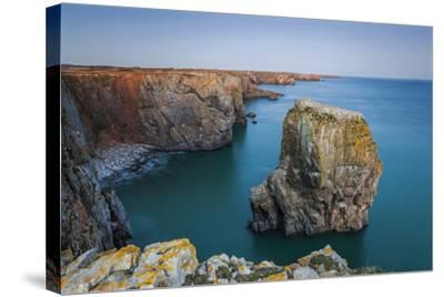 Stack Rocks, Castlemartin, Pembrokeshire, Wales, United Kingdom-Billy Stock-Stretched Canvas Print