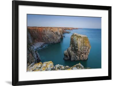 Stack Rocks, Castlemartin, Pembrokeshire, Wales, United Kingdom-Billy Stock-Framed Photographic Print