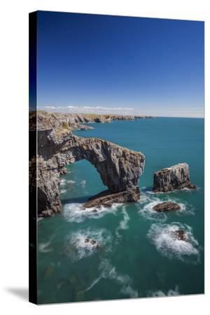Green Bridge of Wales, Pembrokeshire Coast, Wales, United Kingdom-Billy Stock-Stretched Canvas Print
