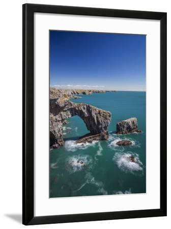 Green Bridge of Wales, Pembrokeshire Coast, Wales, United Kingdom-Billy Stock-Framed Photographic Print