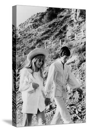 Singers Mick Jagger and Marianne Faithfull in San Remo January 29, 1967--Stretched Canvas Print