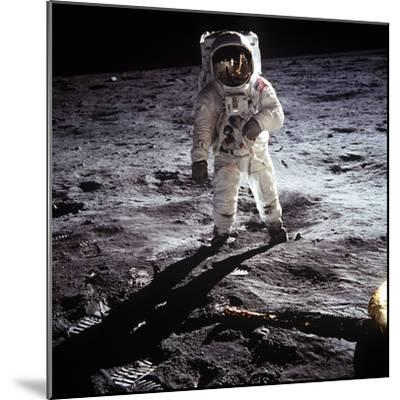 "1st Steps of Human on Moon: American Astronaut Edwin ""Buzz"" Aldrinwalking on the Moon--Mounted Photo"