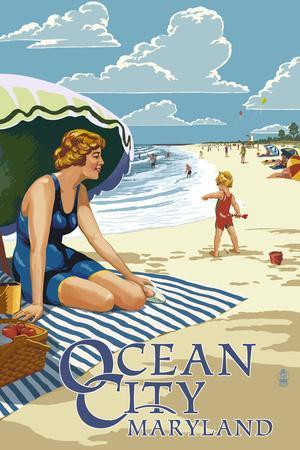 Ocean City, Maryland - Beach Scene-Lantern Press-Framed Art Print