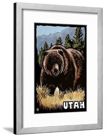 Utah - Grizzly Bear - Scratchboard-Lantern Press-Framed Art Print