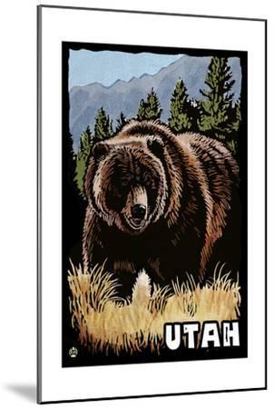 Utah - Grizzly Bear - Scratchboard-Lantern Press-Mounted Art Print