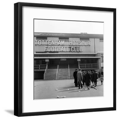 Tottenham Football Club, 1962-Monte Fresco O.B.E.-Framed Premium Photographic Print