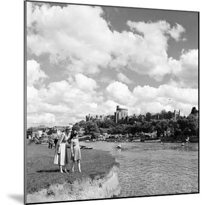 Windsor Castle, Berkshire, 1952-Staff-Mounted Photographic Print