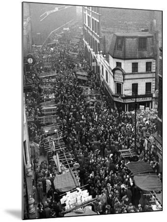 Petticoat Lane 1948-George Greenwell-Mounted Photographic Print