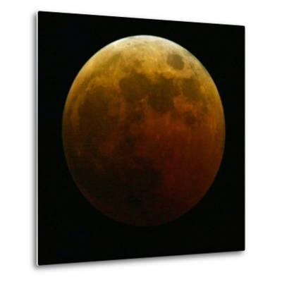 Lunar Eclipse-Harry Cabluck-Metal Print