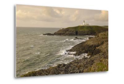 Killantringall Lighthouse, Near Portpatrick, Rhins of Galloway, Dumfries and Galloway, Scotland, UK-Gary Cook-Metal Print