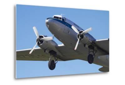 DC3 (Douglas C-47 Dakota), Airshow-David Wall-Metal Print
