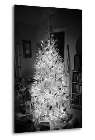 An Infrared Shot of a Brightly-lit Indoor Christmas Tree-Stephen Alvarez-Metal Print