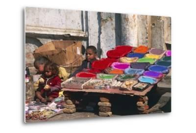 Children at a Colour Pigments Market Stand--Metal Print