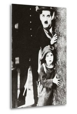 Charlie Chaplin and Jackie Coogan in 'The Kid', 1920--Metal Print