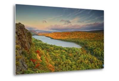 Michigan, Upper Peninsula. Sunset at Lake of the Clouds-Petr Bednarik-Metal Print
