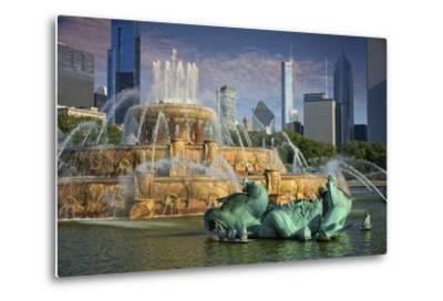 USA, ILlinois, Chicago, Buckingham Fountain in Downtown Chicago-Petr Bednarik-Metal Print