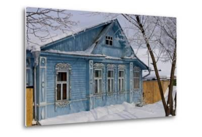 Traditional Wooden House, Suzdal, Golden Ring, Russia--Metal Print
