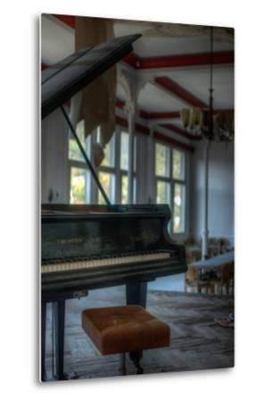 Old Piano-Nathan Wright-Metal Print