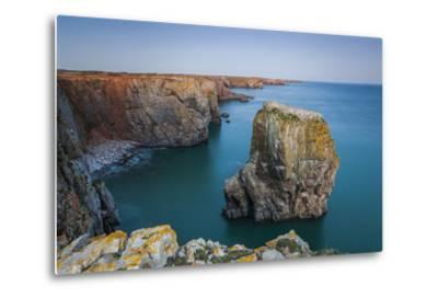 Stack Rocks, Castlemartin, Pembrokeshire, Wales, United Kingdom-Billy Stock-Metal Print