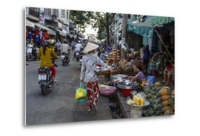 Can Tho Market, Mekong Delta, Vietnam, Indochina, Southeast Asia, Asia-Yadid Levy-Metal Print