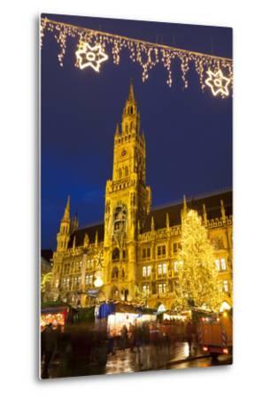 Christmas Market in Marienplatz and the New Town Hall, Munich, Bavaria, Germany, Europe-Miles Ertman-Metal Print