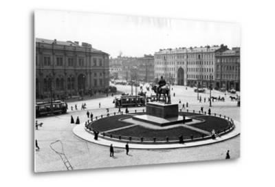 Znamemskaya Square, St Petersburg, C.1910--Metal Print