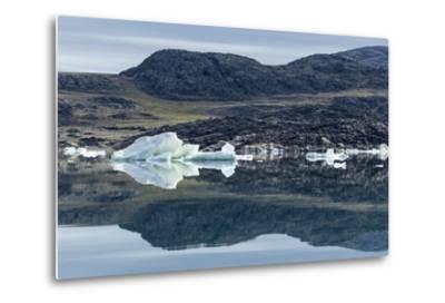 Melting Icebergs, Repulse Bay, Nunavut Territory, Canada-Paul Souders-Metal Print