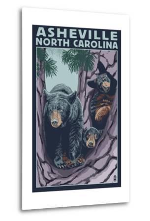 Asheville, North Carolina - Bear Family in Tree-Lantern Press-Metal Print