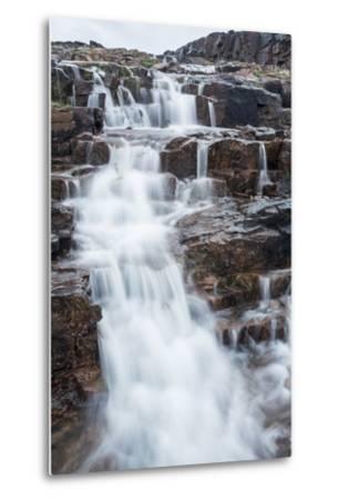 Waterfall, Hudson Bay, Nunavut, Canada-Paul Souders-Metal Print