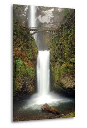 Multnomah Falls and Creek, Multnomah Falls Sp, Columbia Gorge, Oregon-Michel Hersen-Metal Print