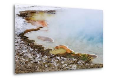 USA, Wyoming, Yellowstone National Park. Silex Spring Pool-Jaynes Gallery-Metal Print