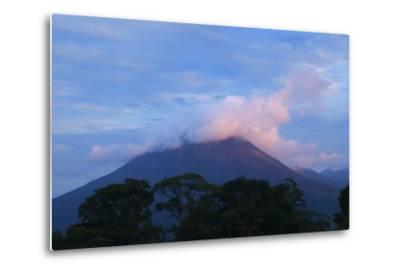 Arenal Volcano National Park, View of the Volcano.-Stefano Amantini-Metal Print