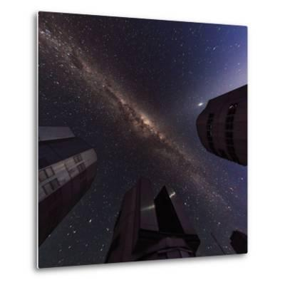 The Milky Way over the Cerro Paranal Observatory-Babak Tafreshi-Metal Print
