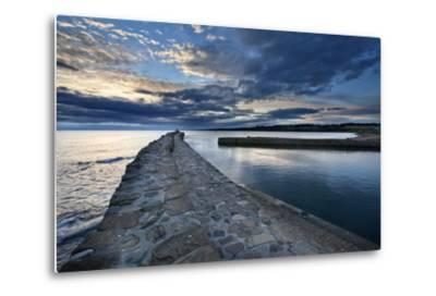 St. Andrews Harbour at Dawn, Fife, Scotland, United Kingdom, Europe-Mark Sunderland-Metal Print