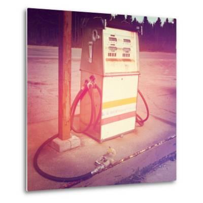 Old Gas Pump-melking-Metal Print