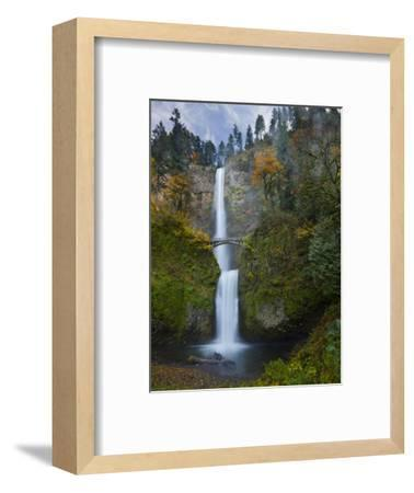 Multnomah Falls, Columbia Gorge, Oregon, USA-Gary Luhm-Framed Photographic Print