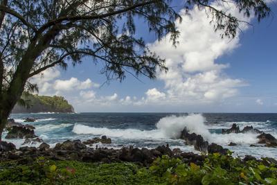 Waves Crashing Upon Rocks, Laupahoehoe Park, Hawaii, USA-Jaynes Gallery-Framed Photographic Print
