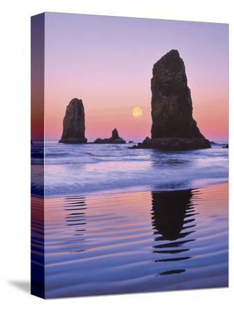 The Needles Rock Monoliths at Sunrise, Cannon Beach, Oregon, USA-Jaynes Gallery-Stretched Canvas Print