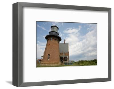 USA, Rhode Island, Block Island, Mohegan Bluffs, Southeast Lighthouse.-Cindy Miller Hopkins-Framed Photographic Print