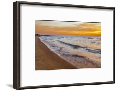 USA, Michigan, Paradise, Whitefish Bay Beach with Waves at Sunrise-Frank Zurey-Framed Photographic Print