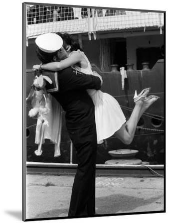 The Kiss--Mounted Photographic Print