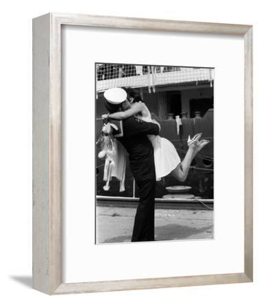 The Kiss--Framed Photographic Print