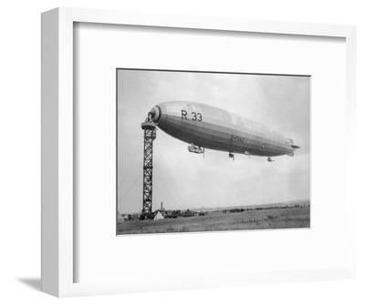 Armstrong Whitworth R33 Airship G-Faag, 1925--Framed Photographic Print