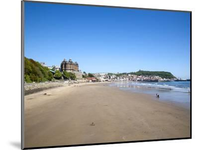 South Sands, Scarborough, North Yorkshire, Yorkshire, England, United Kingdom, Europe-Mark Sunderland-Mounted Photographic Print