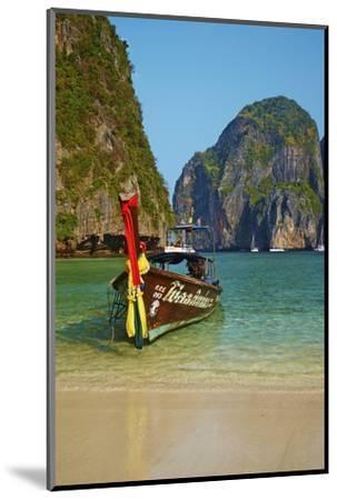 Ao Maya Bay, Ko Phi Phi Le Island, Krabi Province, Thailand, Southeast Asia, Asia--Mounted Photographic Print
