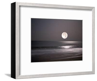 Full Moon-Mitch Diamond-Framed Photographic Print