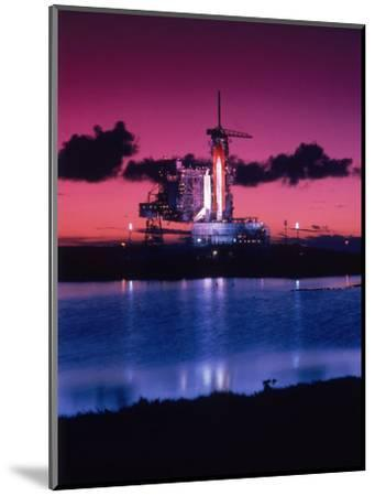 Space Shuttle Atlantis-Lonnie Duka-Mounted Photographic Print